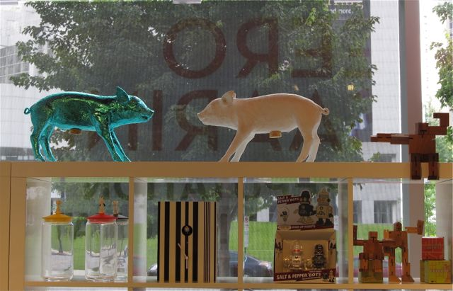 MODA gift shop window. My photo: hoardercomesclean@wordpress.com