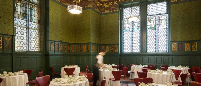 The Real Morris Room Morris room, 1866 – 8. © Victoria and Albert Museum, London (from the V&A Museum website)